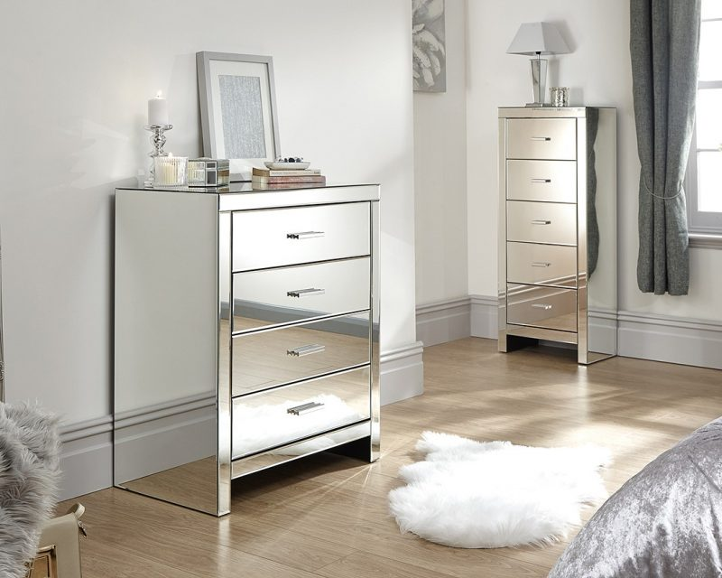 Venetian 4 Drawer Mirrored Chest -0